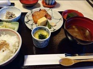 有楽町で絶品ランチが食べられる人気店20選│食べログ3.5以上